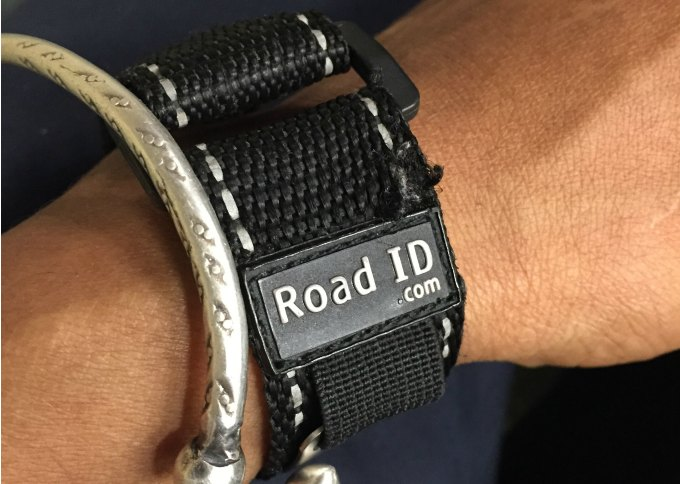 roadi d bracelet is a running safety tip to keep you safe